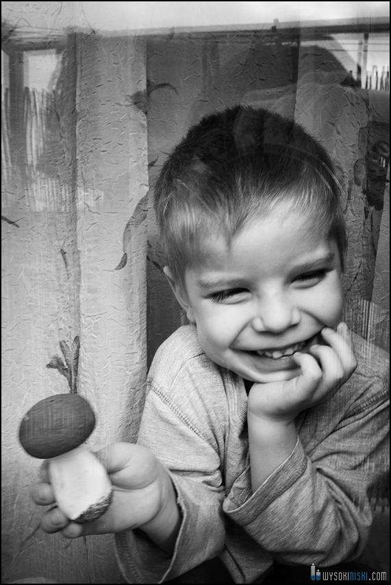 fotografia rodzinna, dzieci, wielkanocne przygotowania i pisanki (5)