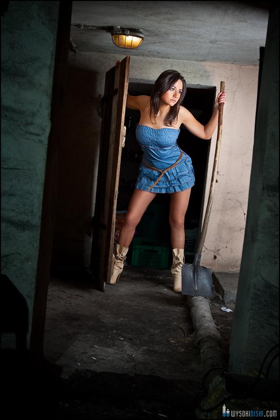 Zdjęcia fajnych dziewczyn w piwnicy