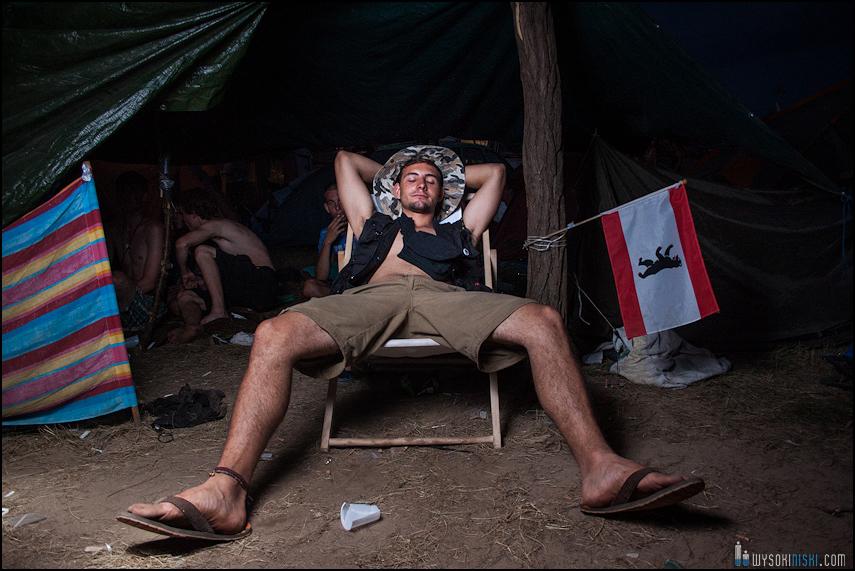 pod namiotem na przystanku woodstock 2013