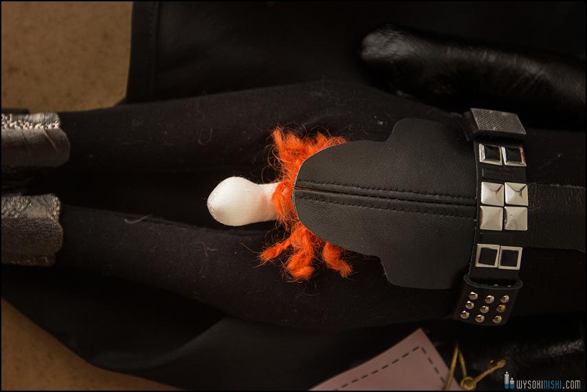 erotyczny detal w lalce
