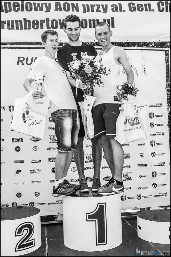 Runbertów zwycięzcy na podium