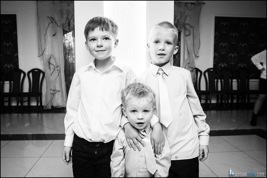 zdjęcia trzech chłopców
