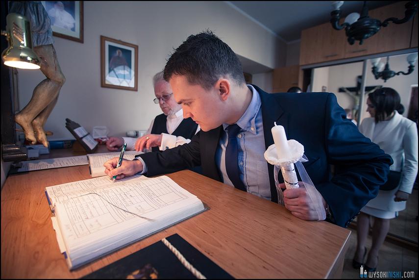 chrzest podpisywanie dokumentów