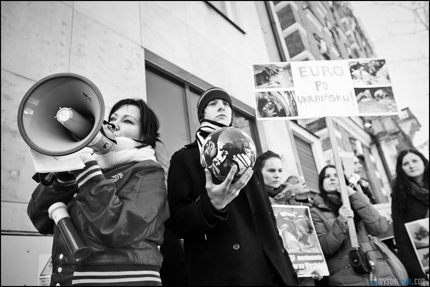 pikieta protest- przeciw zabijaniu psów na Ukrainie w ramach przygotowań do Euro 2012 (70)
