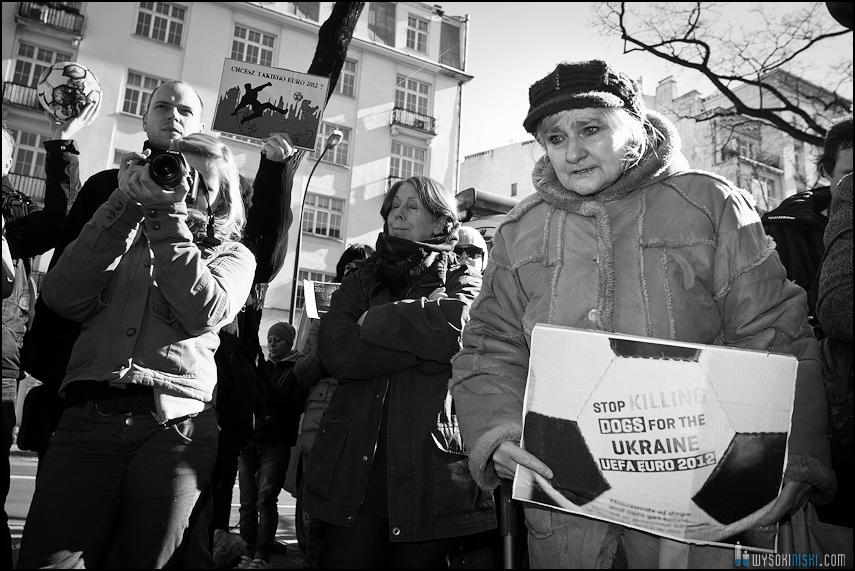 pikieta protest- przeciw zabijaniu psów na Ukrainie w ramach przygotowań do Euro 2012 (69)