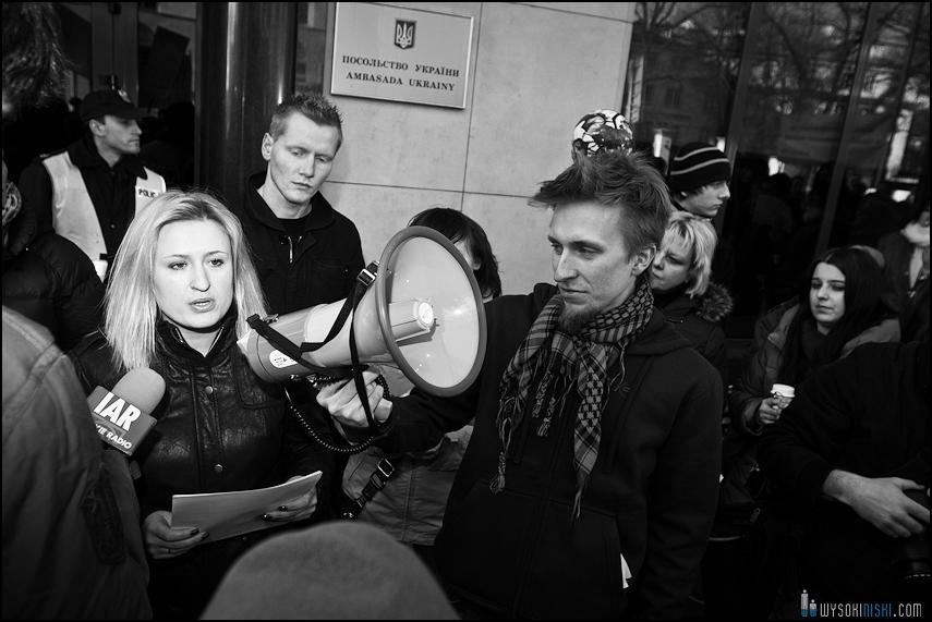 pikieta protest- przeciw zabijaniu psów na Ukrainie w ramach przygotowań do Euro 2012 (55)