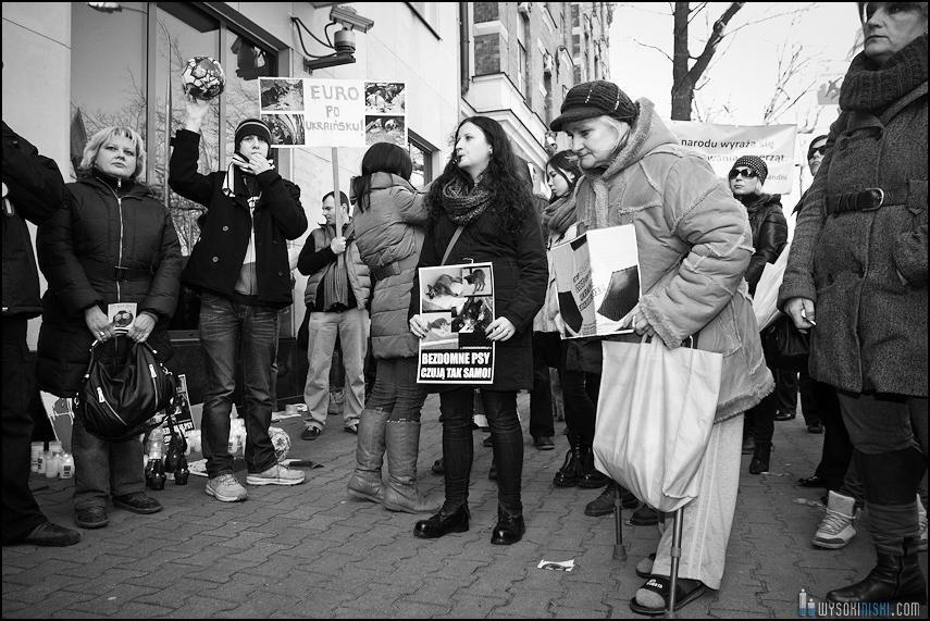 pikieta protest- przeciw zabijaniu psów na Ukrainie w ramach przygotowań do Euro 2012 (33)