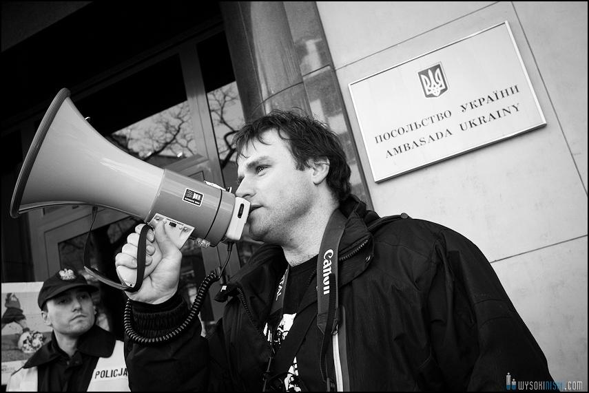 pikieta protest- przeciw zabijaniu psów na Ukrainie w ramach przygotowań do Euro 2012 (30)