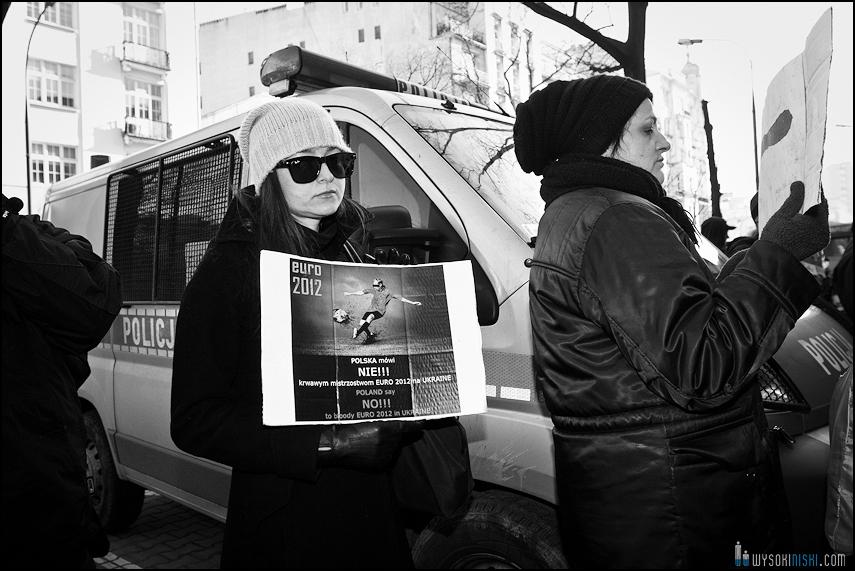 pikieta protest- przeciw zabijaniu psów na Ukrainie w ramach przygotowań do Euro 2012 (10)