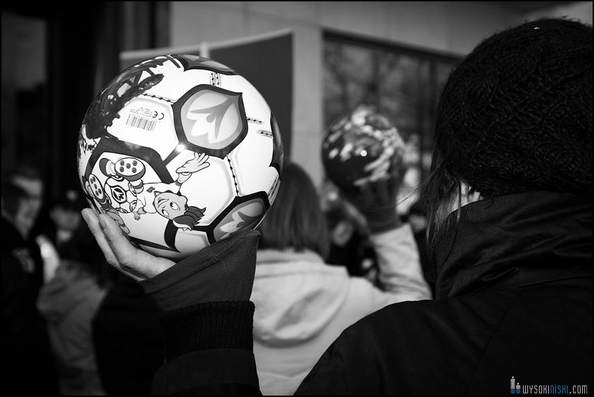 pikieta protest- przeciw zabijaniu psów na Ukrainie w ramach przygotowań do Euro 2012 (7)