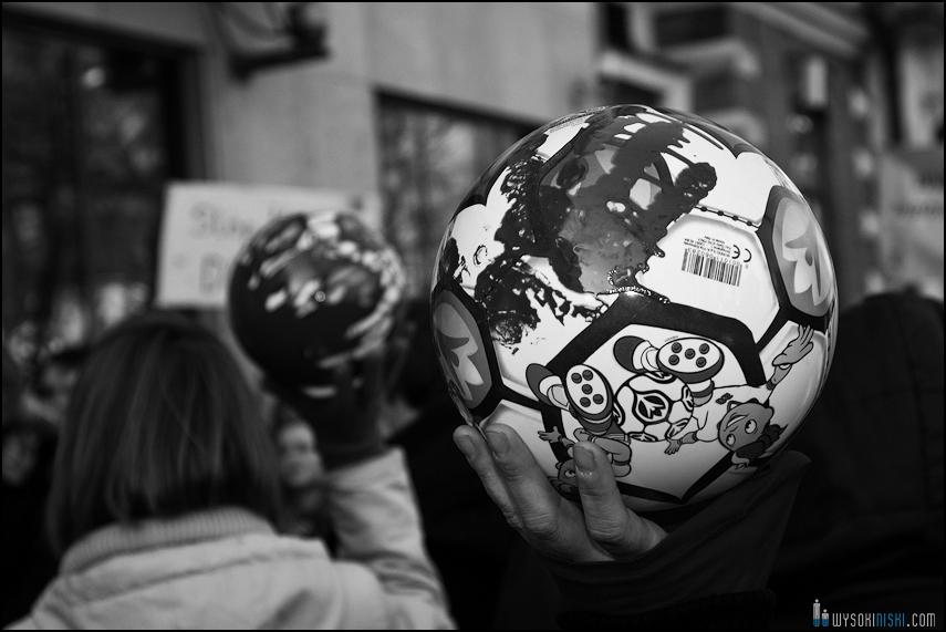 pikieta protest- przeciw zabijaniu psów na Ukrainie w ramach przygotowań do Euro 2012 (6)