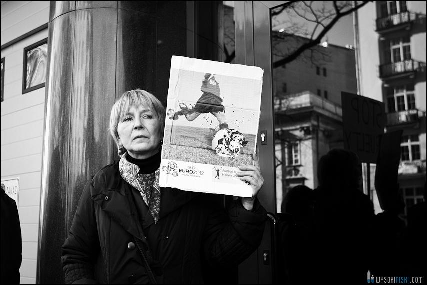 pikieta protest- przeciw zabijaniu psów na Ukrainie w ramach przygotowań do Euro 2012 (3)