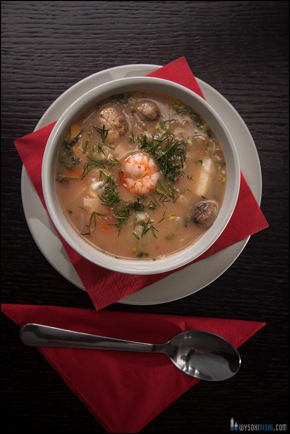 Fotografowanie jedzenia- zupa z krewetkami