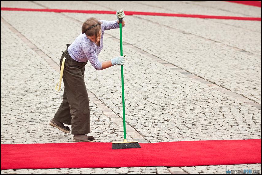 czerwony dywan dla Baracka Obamy