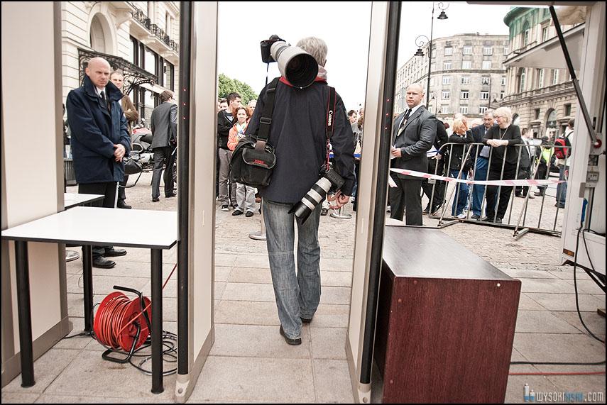 Kontrola fotografa przed wizytą obamy w Polsce