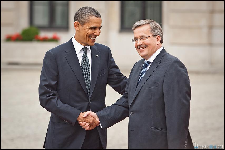 Obama w Polsce, uścisk dłoni Komorowski