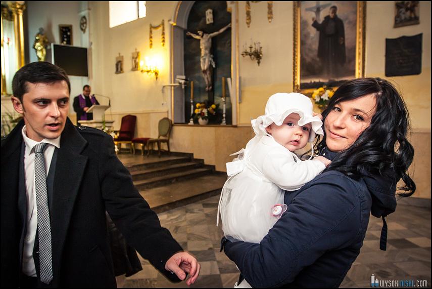 zdjęcia z chrztu dziecko z mamą