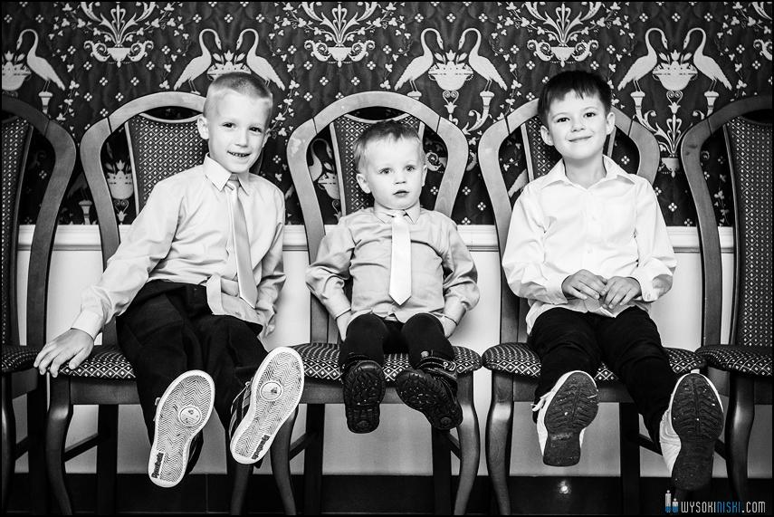sesja zdjęciowa dzieci czarno białe